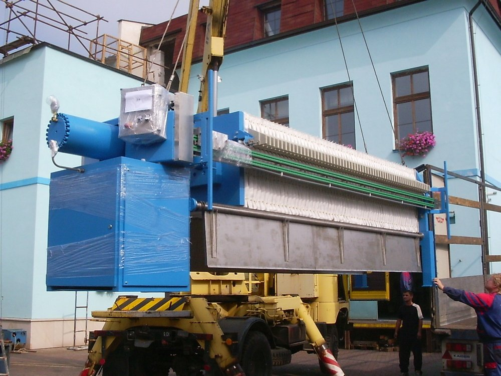 Transport of filter press to Ukraine<br />